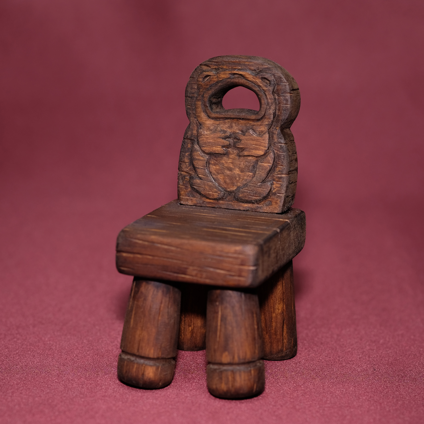 dwarfs_chair